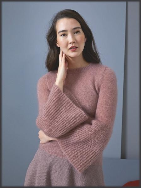 Мохеровый пуловер с расклешенными рукавами